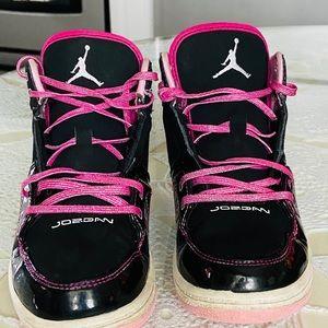 Air Jordan black and pink (girls)